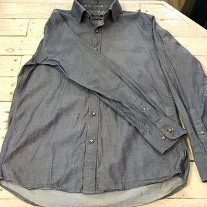 Long sleeves dots shirt
